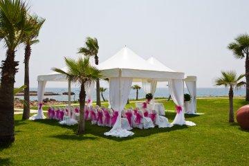adams-beach-hotel